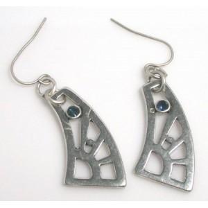 Boucles métal argenté, pierre bleue