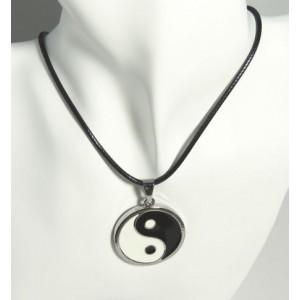Collier métal laqué pendentif yin yang