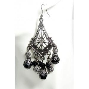 Boucles avec des pierres noires et métal travaillé orné de strass