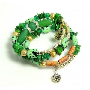 Bracelet avec des pierres vertes, perles en bois marron, résine, métal sur serpentin préformé, femme