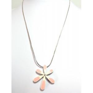Collier metal laqué rose et blanc, pendentif en volume orné d'un strass blanc