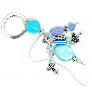 Porte-clés d'inspiration grecque avec pierres en résine bleu turquoise et breloques diverses
