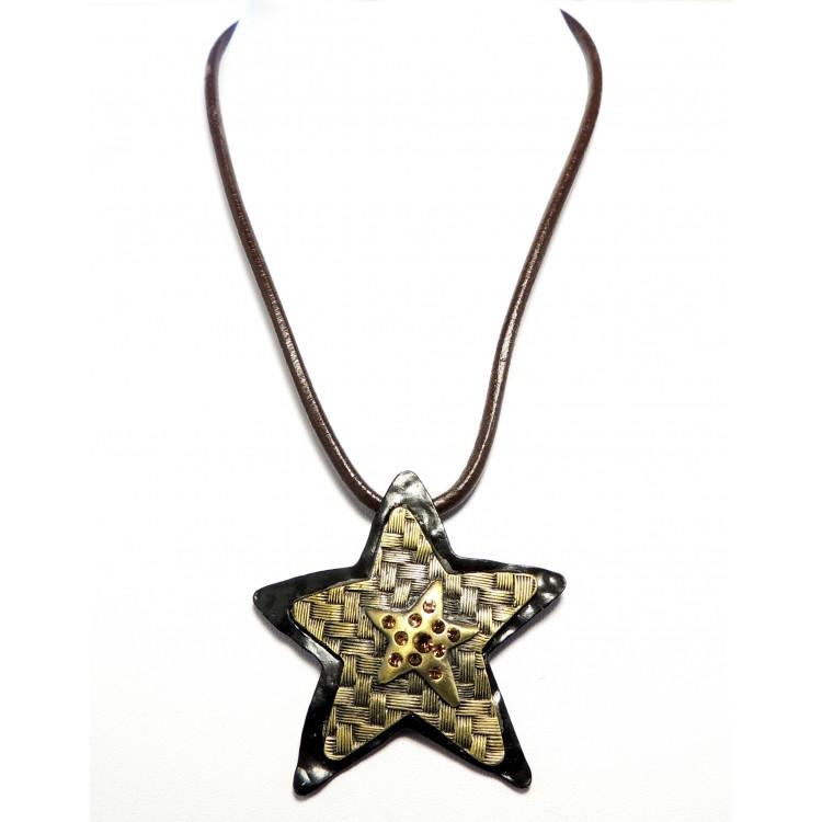 99a7e509f8a19 collier en cuir pour femme avec pendentif en métal vieil or façon ...