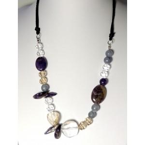 Collier perles et pierres