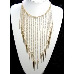 Collier long multichaînes en métal doré avec des glands pointus en bout de chaque chaîne