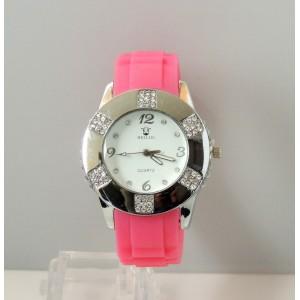 Montre femme cadran blanc et bracelet en silicone rose, strass