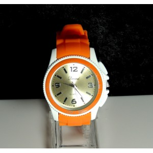 Montre pour femme avec boîtier blanc et bracelet en silicone orange