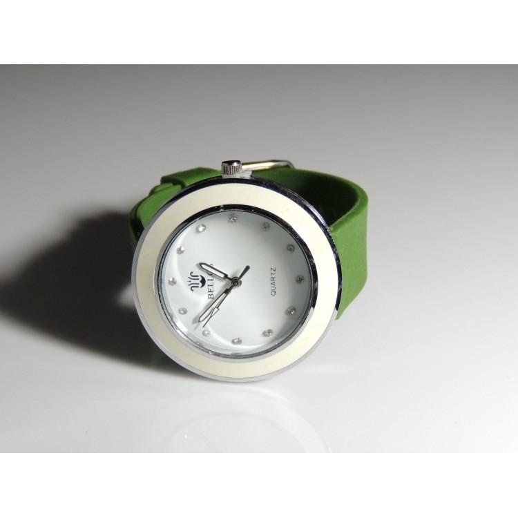 montre femme avec cadran blanc et bracelet en silicone lisse couleur kaki. Black Bedroom Furniture Sets. Home Design Ideas