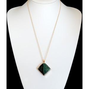 Collier avec pendentif en pierre naturelle verte veinée de noir, plaquée or