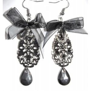 Boucles organza noir, métal travaillé, esprit baroque