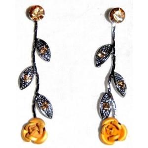 Boucles métal, fleur couleur or satiné