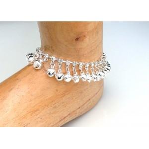 Bracelet de cheville en métal plaqué argent et petits cristaux blancs