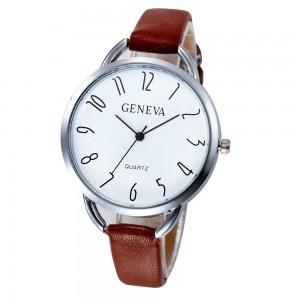Montre avec un cadran rond et chiffres originaux, bracelet en cuir véritable marron