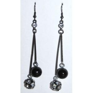 Boucles perles blanche et noire, chaînes pendantes