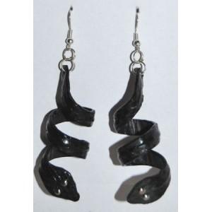 Boucles cuir noir, forme serpent