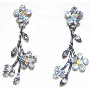 Boucles métal argenté, fleur et strass blancs
