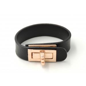 Bracelet en cuir grainé noir, fermoir sur le dessus en métal doré