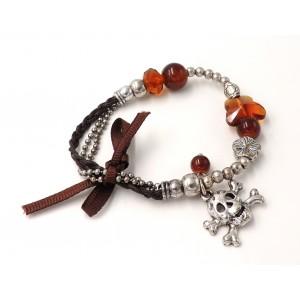 Bracelet métal argenté, perles et cordon satiné marron, tête de mort