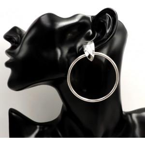 Boucles d'oreilles créoles avec attache facettée en métal argenté