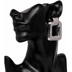 Boucles d'oreilles design de forme rectangulaire en métal argenté strié