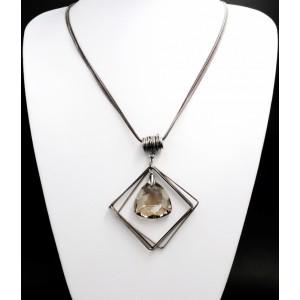 Collier sautoir design de forme géométrique en métal argenté foncé orné d'un cristal facetté