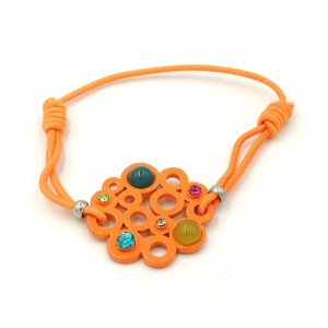 Bracelet formé d'un élastique orange orné d'une platine avec des perles et strass