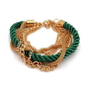 Bracelet multi-rangs en métal doré avec un cordon en soie vert