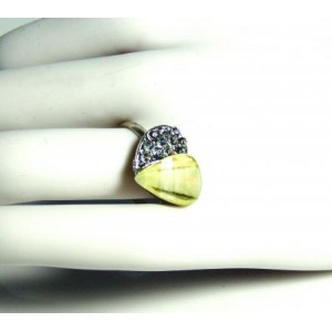 Bague métal argenté, cœur vert clair et strass, ajustable