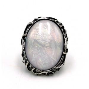 Bague ajustable XXL caméléon, pierre blanche qui change de reflets selon la lumière