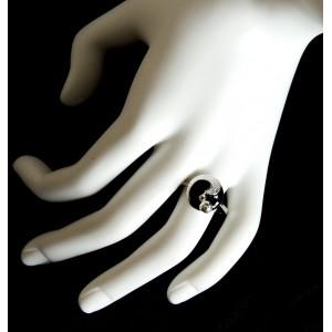 Bague en argent 925 et laque noire ornée d'une perle mobile