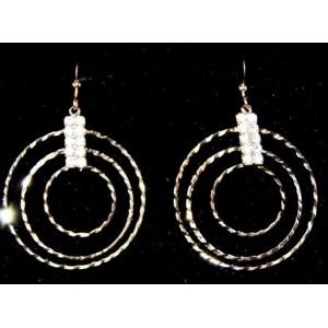 Boucles métal couleur cuivre, 3 anneaux striés et strass blancs