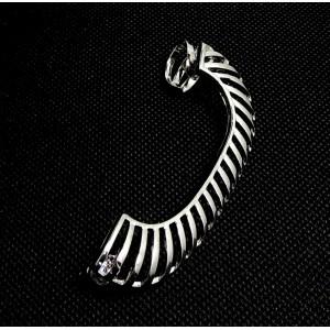 Bijou d'oreille en métal argenté