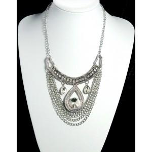 Parure collier et boucles d'oreilles en métal argenté et strass