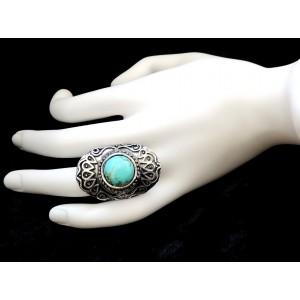 Bague ajustable ovale en métal argenté vieilli et pierre turquoise