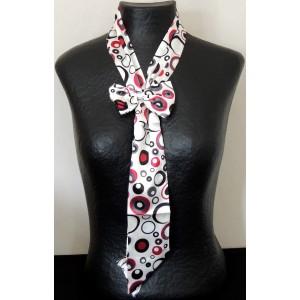 Foulard cravate avec une broche en forme de nœud, jeu de bulles