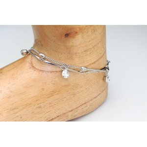 Chaîne de cheville double chaînes en métal argenté et petits strass