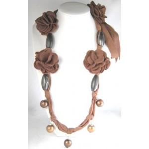 Collier bois, perles et feutrine, sautoir
