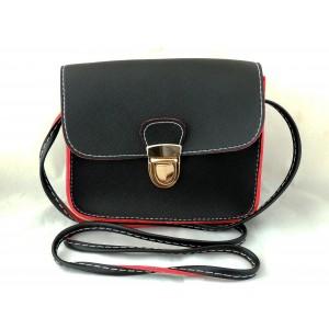 Mini sac à main noir avec doublure rouge et bandoulière réglable