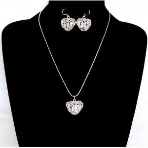 Parure en argent 925 de qualité, collier et boucles d'oreilles en forme de cœur ciselé en volume