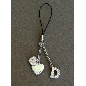Bijou de sac en métal argenté personnalisé avec l'initiale D et des petits cœurs