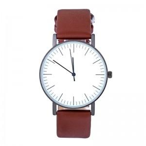 Montre ronde avec un cadran blanc et bracelet en cuir véritable marron