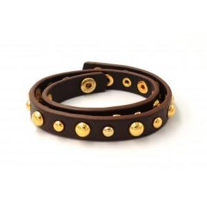 Bracelet double tour en cuir marron orné de clous dorés