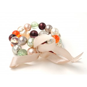 Bracelet avec 2 rangs de perles en couleur et ruban beige satiné
