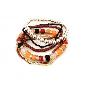 Bracelet avec des perles de plusieurs couleurs, dominante ocre rouge