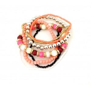 Bracelet avec des perles plusieurs couleurs, dominante rose saumon