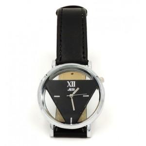 Montre originale noire avec la partie qui indique l'heure triangulaire, cadran évidé