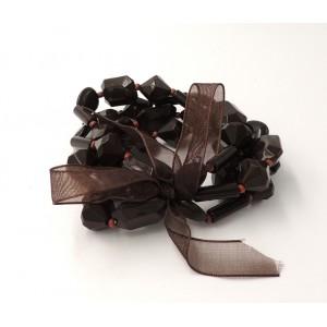 Bracelet avec des pierres couleur chocolat sur 4 rangs, ruban assorti