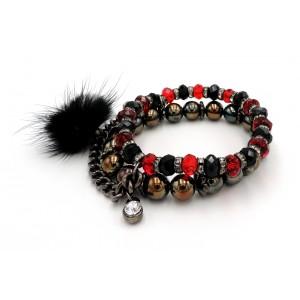 Bracelet avec des perles rouges, noires, tons bronze, chaînette, strass, fourrure noire