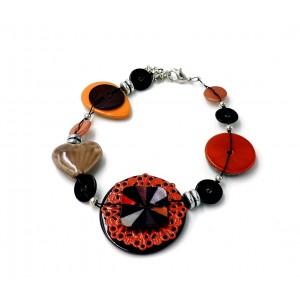 Bracelet en émail et pierres de couleur jaune orangé, rouge foncé et nacre