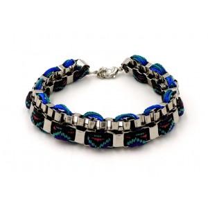 Bracelet métal, chaîne cubique et tissu bleu brésilien